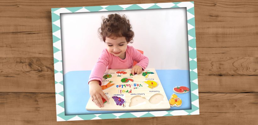 Pre-School – Nursery: Having fun naming the fruits and recognizing their shapes.